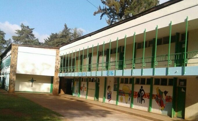Drama as parents throw out a popular Nairobi school head from office